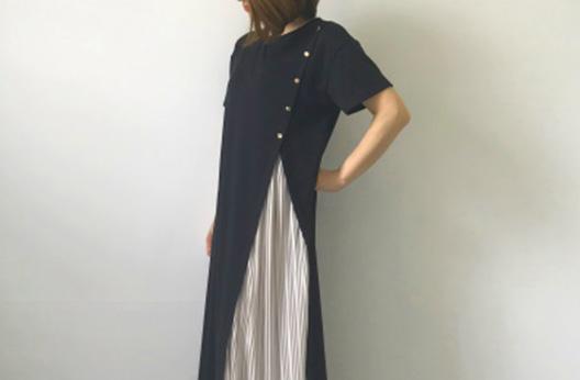 ファッションメディア【Girlwish】にて                     ボタン付スリットプリーツワンピースをご紹介いただきました。